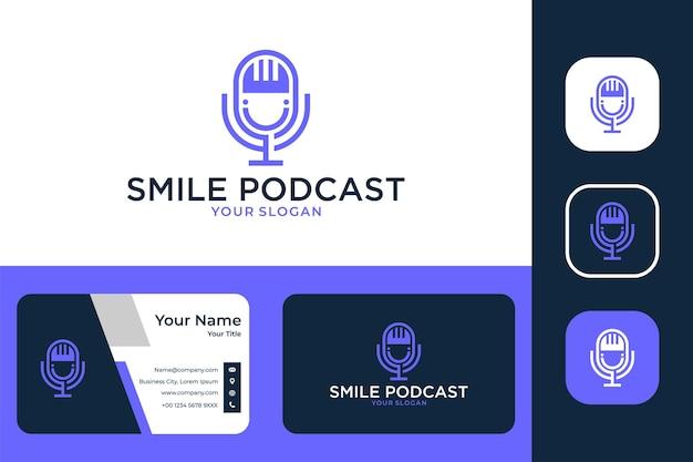 Conception de logo et carte de visite de podcast de sourire moderne