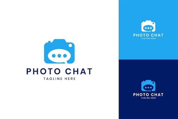 Conception de logo d'espace négatif de chat de caméra