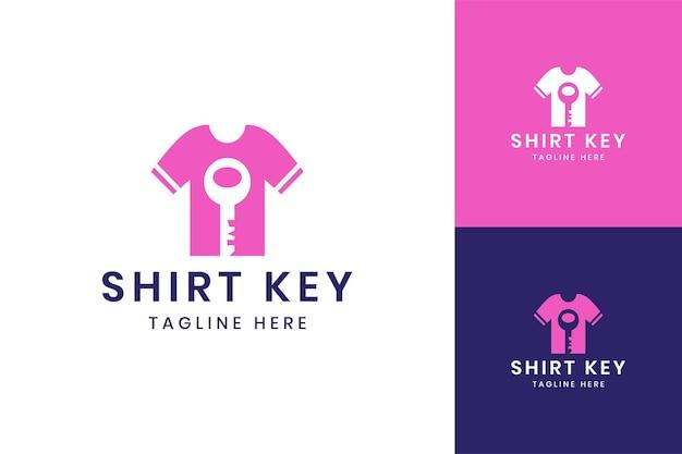 Conception de logo d'espace négatif de chemise de serrure