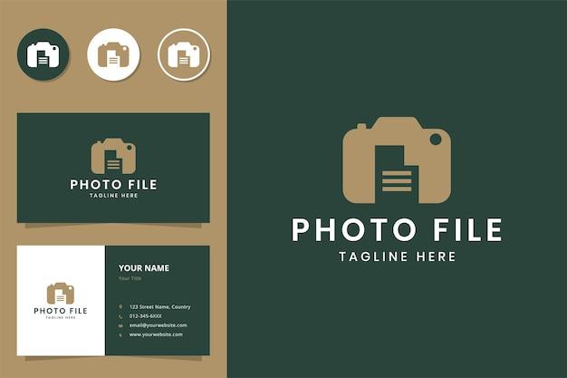 Conception de logo d'espace négatif de document d'appareil photo