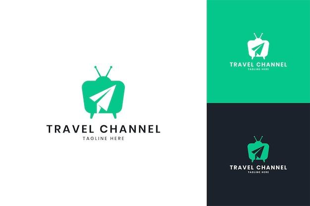 Conception de logo d'espace négatif de télévision de voyage