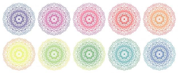 Conception de mandala en différentes couleurs