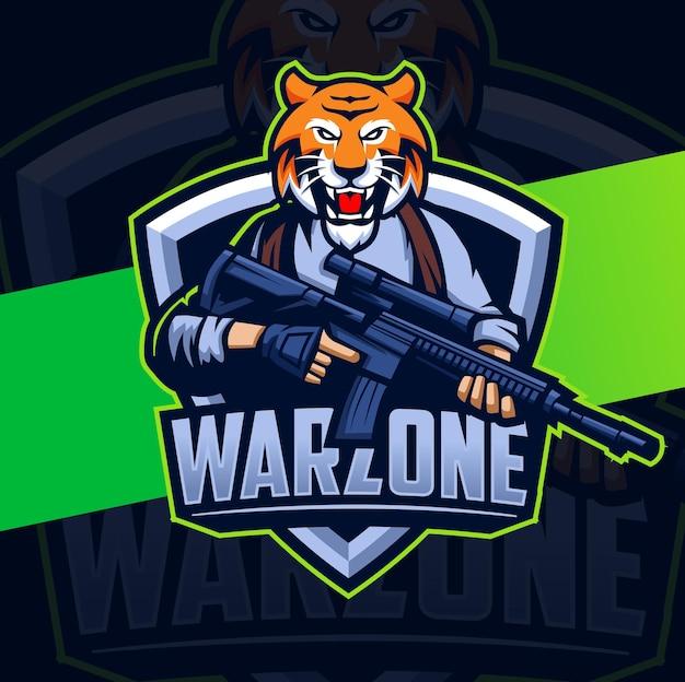 Conception de mascotte de personnage de tigre de warzone avec arme et position de guerre pour le logo de jeu et de sport