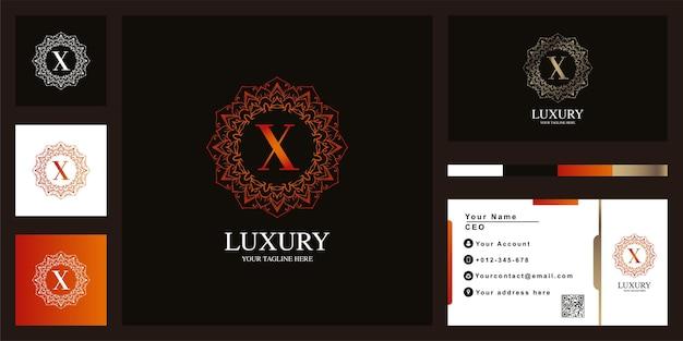Conception De Modèle De Logo De Cadre De Fleur D'ornement De Luxe Lettre X Avec Carte De Visite Vecteur Premium