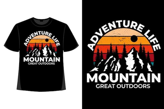 Conception de t-shirt de la vie d'aventure montagne grand plein air illustration vintage rétro