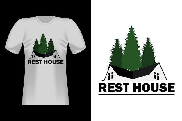 Conception de t-shirt vintage de style dessiné à la main de maison de repos