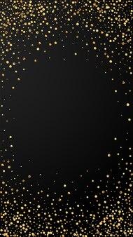 Confettis énergétiques festifs. étoiles de célébration. confettis d'or sur fond noir. récupérer le modèle de superposition festive. fond de vecteur vertical.