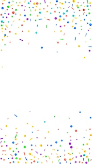 Confettis mignons de fête. étoiles de célébration. confettis festifs sur fond blanc. beau modèle de superposition festive. fond de vecteur vertical.