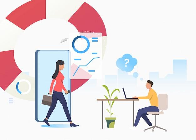 Consultant en affaires et homme confus travaillant sur un ordinateur portable