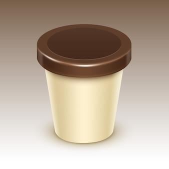 Conteneur de seau de cuve en plastique de nourriture vierge de crème brune pour la conception de paquet de chocolat à la vanille mock up close up isolé sur fond