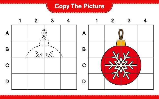 Copiez l'image, copiez l'image des boules de noël en utilisant des lignes de quadrillage. jeu éducatif pour enfants, feuille de travail imprimable