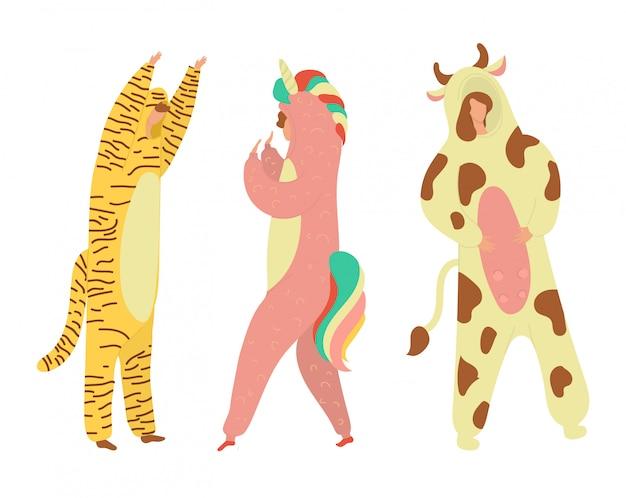 Costumes de fête personnes habillées en kigurumi, grenouillères représentant divers animaux et personnages illustration de dessin animé plat.