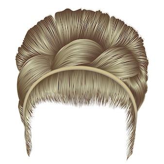 Couleurs blondes de coiffure rétro babette.