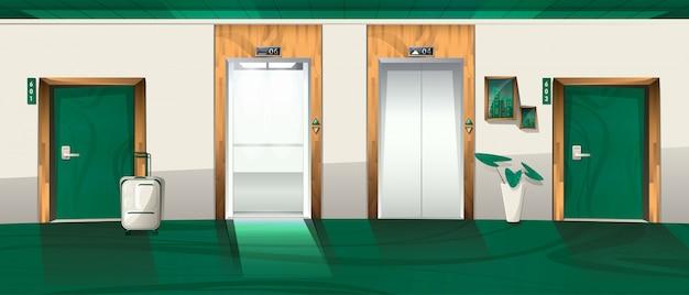 Couloir de l'hôtel avec portes d'ascenseur ouvertes et fermées
