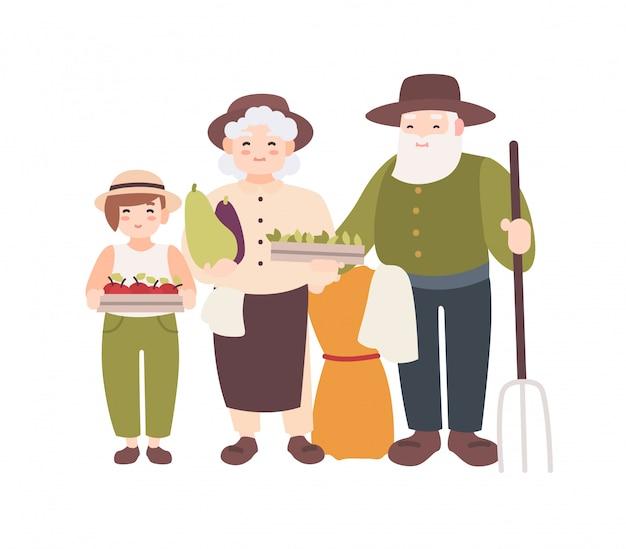 Couple d'agriculteurs âgés et leur petit-enfant tenant des légumes cueillis mûrs. les grands-parents et le petit-fils portent la récolte. personnages de dessins animés plats isolés sur fond blanc. illustration.