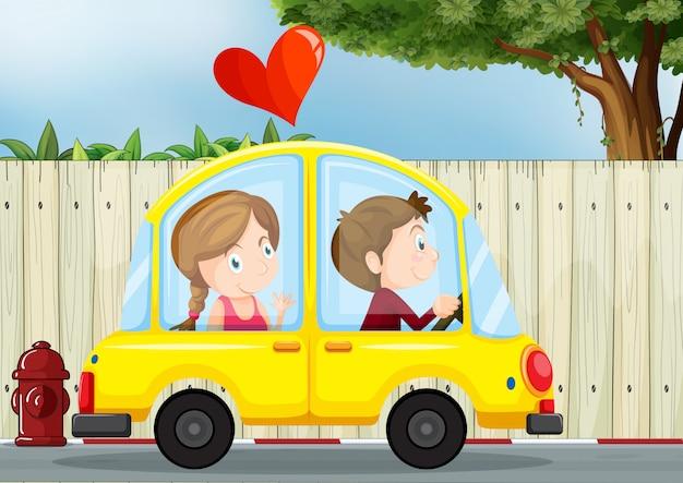 Couple amoureux à l'intérieur de la voiture jaune