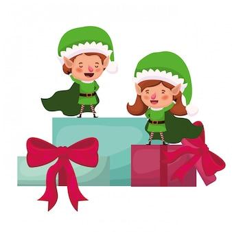 Couple d'elfes avec personnage cadeaux avatar