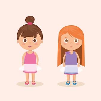 Couple de personnages de petites filles