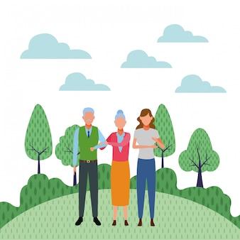 Couple de personnes âgées et femme