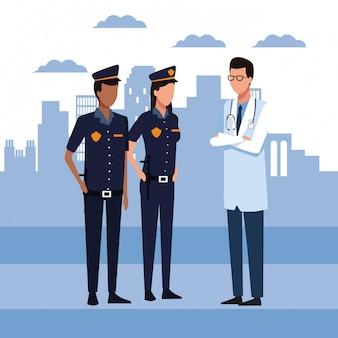 Couple de policiers et homme médecin debout