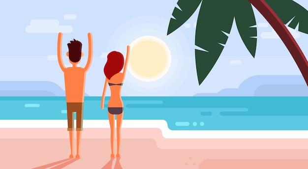 Couple en vacances d'été