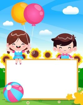 Couples mignons heureux avec bannière vierge