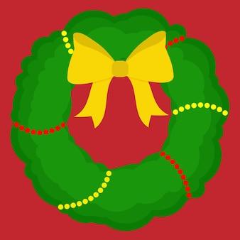 Une couronne de noël verte avec des perles jaunes et rouges et un nœud jaune.