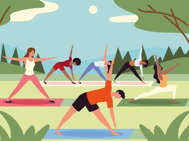 Cours de yoga de personnes dans le parc