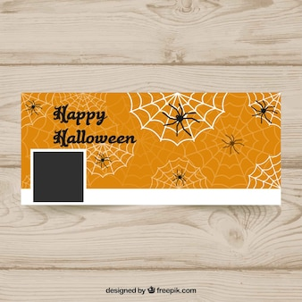 Couverture de facebook de halloween avec des toiles d'araignées