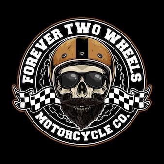 Crâne avec badge de casque de moto rétro