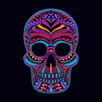 Le crâne brille dans la couleur sombre du néon