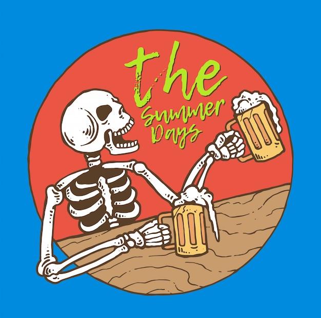 Crâne buvant de la bière en été
