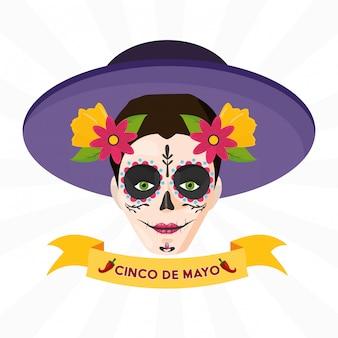 Crâne de catrina avec ruban de célébration mexicaine sur blanc