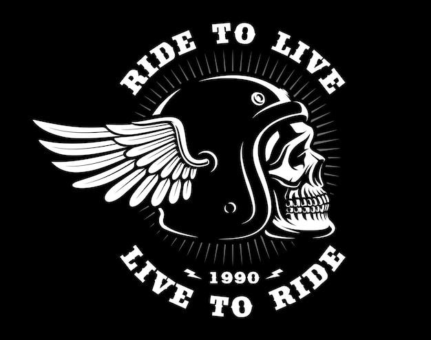 Crâne de motard en casque avec aile. tous les éléments, le texte, sont sur les calques séparés. (version sur fond sombre)