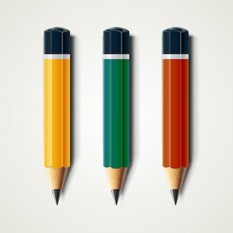 Crayons aiguisés détaillés réalistes isolés sur blanc