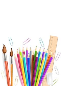 Crayons arc-en-ciel et gomme isolés sur fond blanc.
