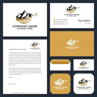 Création de logo d'aventure en montagne vecteur premium et carte de visite