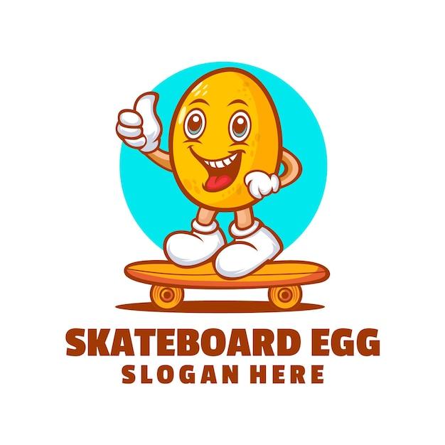 Création de logo de dessin animé d'oeuf de planche à roulettes