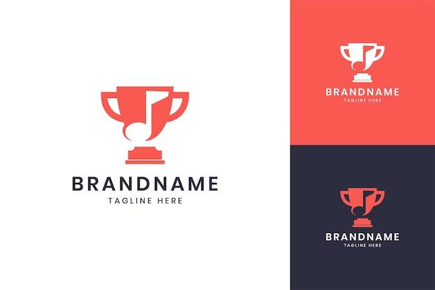 Création de logo d'espace négatif de musique de trophée