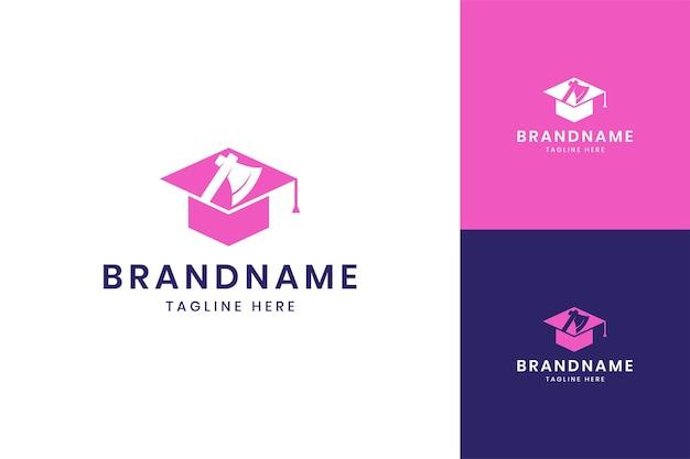 Création de logo d'espace négatif pour l'éducation à la hache