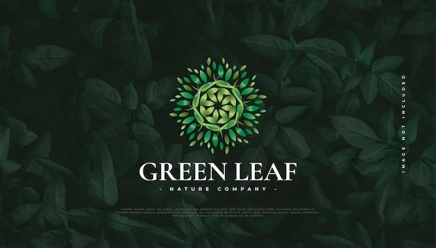 Création de logo de feuille verte, adaptée pour le spa, la beauté, les fleuristes, le complexe ou l'identité de produit cosmétique. logo d'ornement de mandala vert