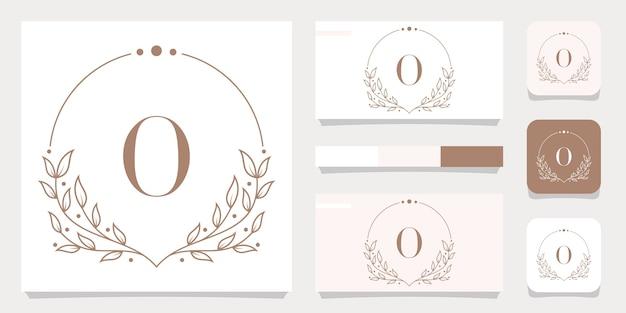 Création de logo de luxe lettre o avec modèle de cadre floral, conception de carte de visite