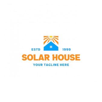 Création de logo de maison solaire créative