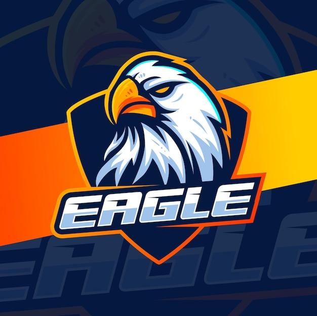 Création de logo de mascotte à tête d'aigle pour les jeux de sport et d'esport