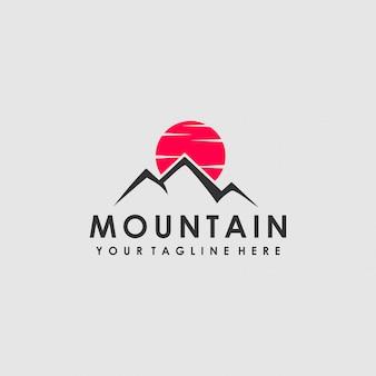 Création de logo de montagne de lune rouge