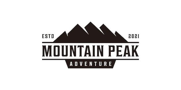 Création de logo de paysage de montagne rétro silhouette hipster vintage