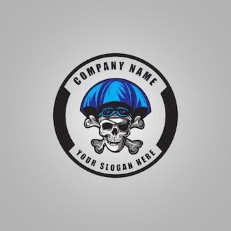 Création de logo de pirate de ciel