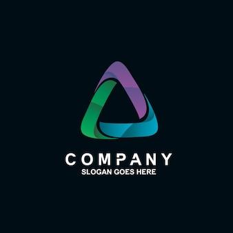 Création de logo triangle coloré