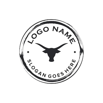 Création de logo zen cercle emblème de taureau tête noire vintage classique