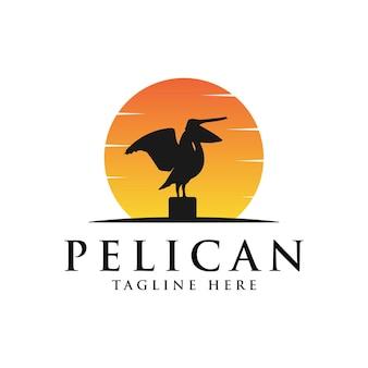 Création vintage de logo oiseau pélican